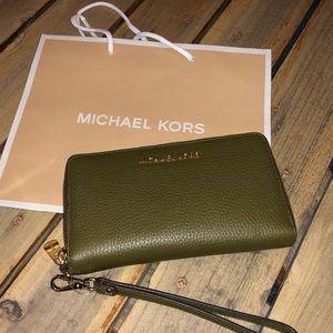 Micheal Kors Jet Set Travel Phone Case